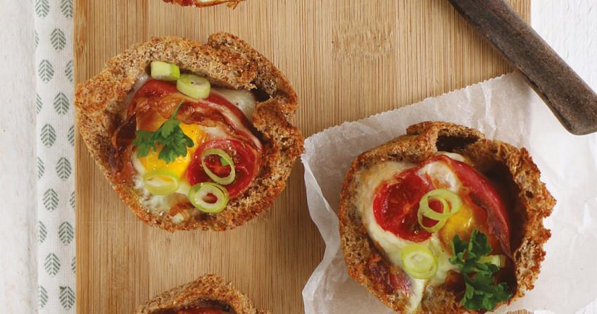 Lunchmuffins met spek en ei